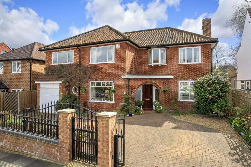 5 Bedrooms Detached House for sale in Clive Road, Strawberry Hill, TW1