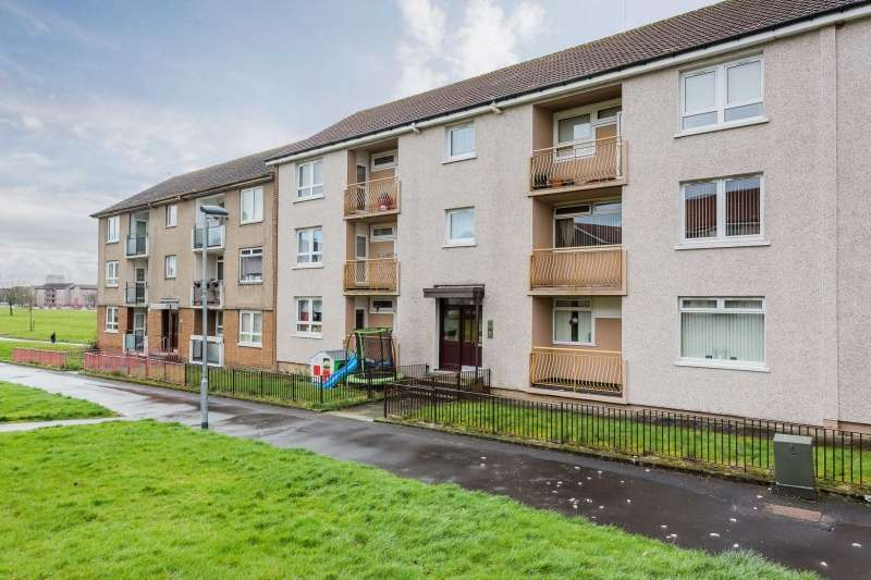 2 Bedrooms Flat for sale in Mossvale Square, Glasgow, G33 5PQ