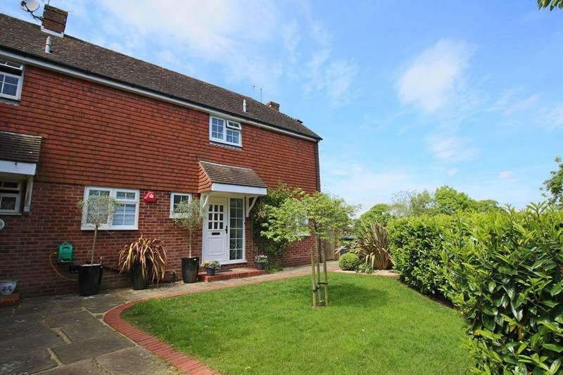 3 Bedrooms Semi Detached House for sale in Stonepound Court, London Road, Hassocks, West Sussex, BN6 9NT