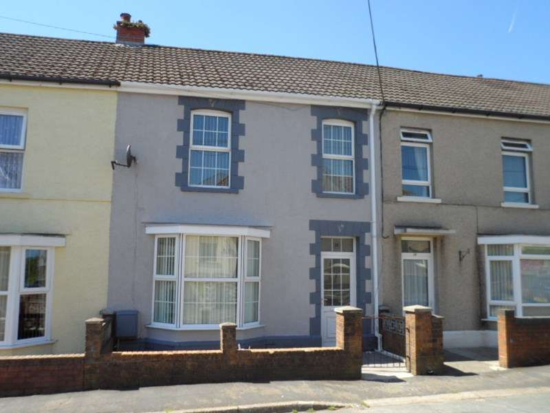 3 Bedrooms Terraced House for sale in Bryn Road, Ystradgynlais, Swansea