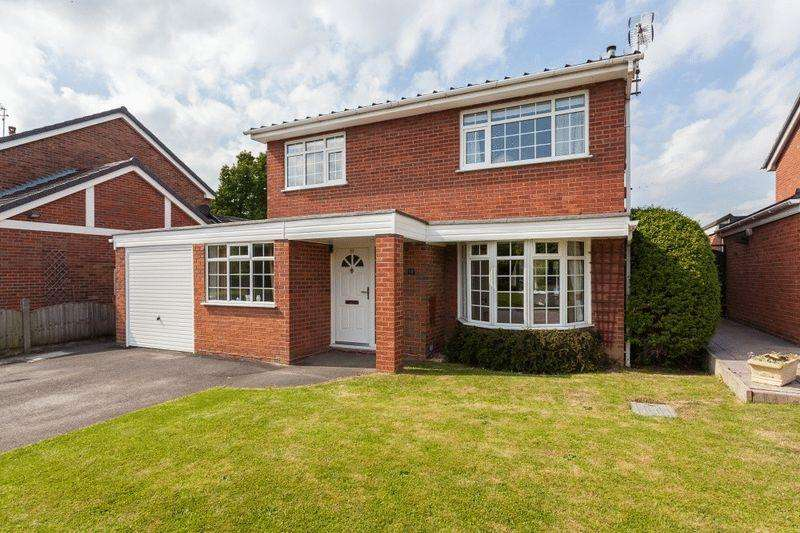 4 Bedrooms Detached House for sale in Edgewood Drive, Wistaston