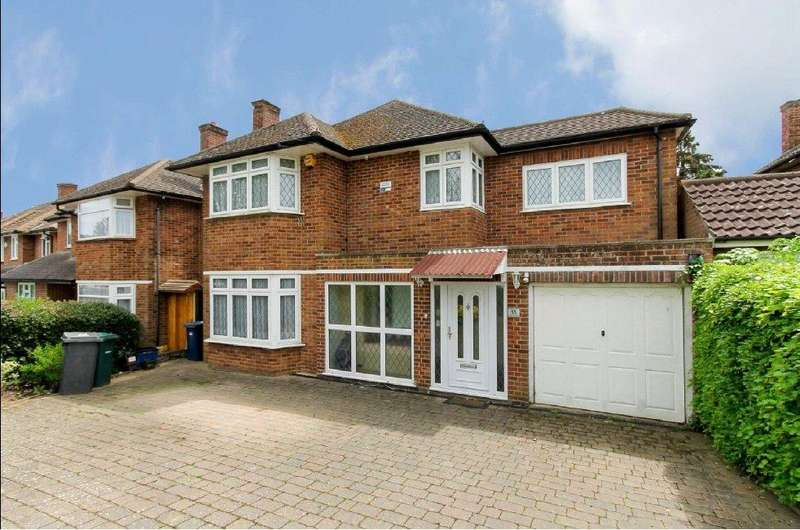 4 Bedrooms Detached House for sale in Hartland Drive, Edgware, Middlesex, HA8