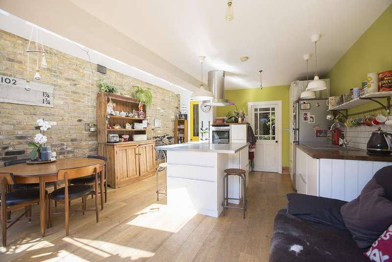 3 Bedrooms House for sale in Blurton Road, Hackney E5