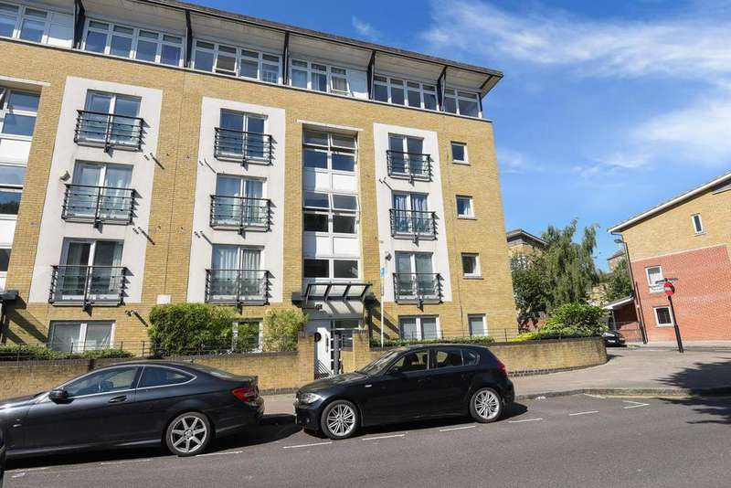3 Bedrooms Flat for sale in Clephane Road, Islington, N1