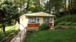 2 Bedrooms Mobile Home for sale in Woodpecker Way, Turners Hill Park, Turners Hill, West Sussex