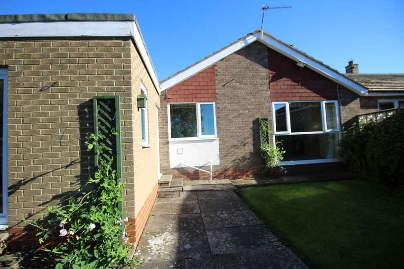3 Bedrooms Semi Detached Bungalow for sale in Longstone Close, Beadnell, Chathill, NE67
