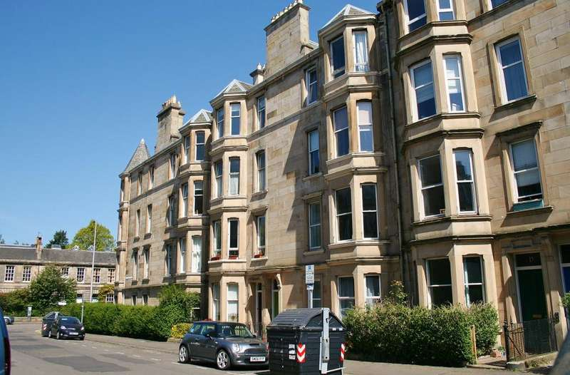 2 Bedrooms Flat for sale in 13/7 Comely Bank Street, Comely Bank, Edinburgh EH4 1AP