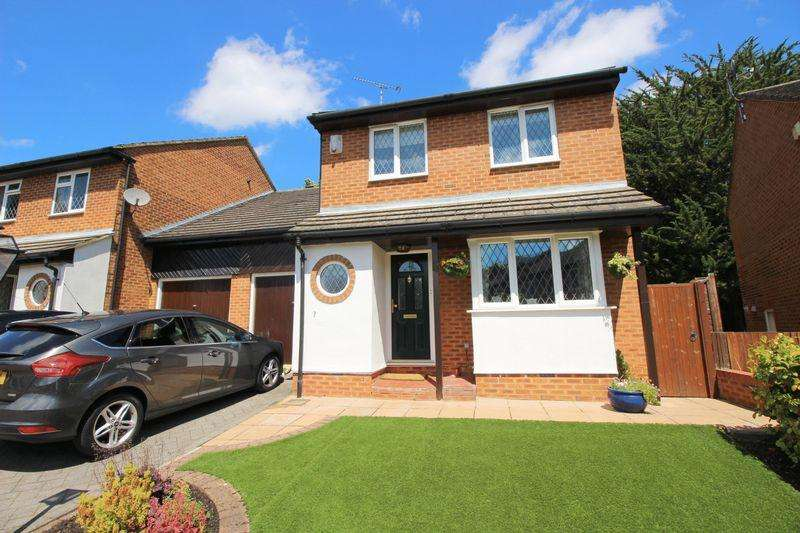 4 Bedrooms Detached House for sale in Sedcombe Close, Sidcup, DA14 6QG