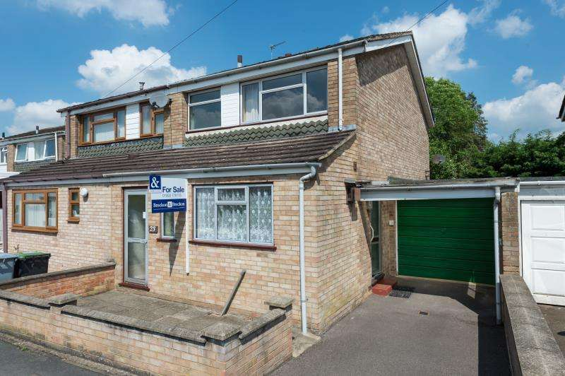 3 Bedrooms Semi Detached House for sale in Abbey Road, Witney, Oxfordshire