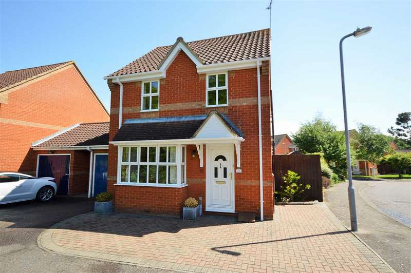 3 Bedrooms Detached House for sale in Northampton Grove, Basildon
