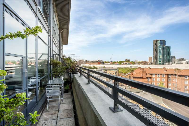 2 Bedrooms Flat for sale in Commercial Street, Shoreditch, London, E1