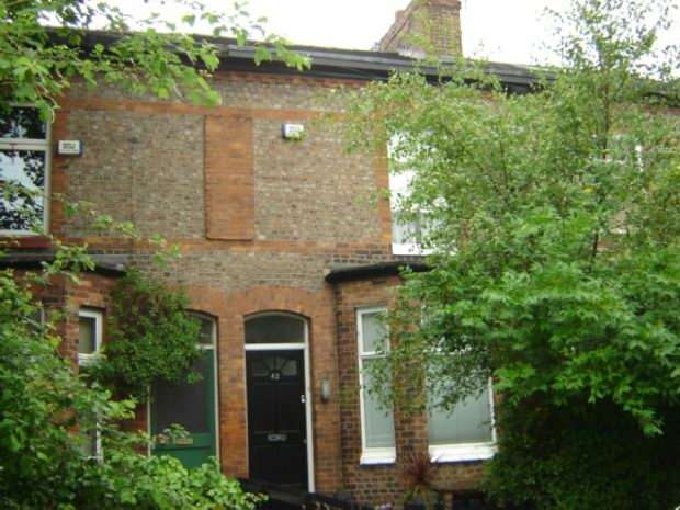 3 Bedrooms Terraced House for rent in Chequers Road, Chorlton Green, Manchester