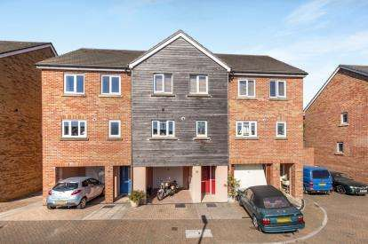 3 Bedrooms Terraced House for sale in Newton Abbot, Devon, England