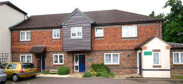 2 Bedrooms Retirement Property for sale in Buckingham Terrace, Pegasus Court, Park Lane