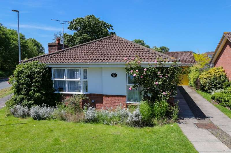 3 Bedrooms Detached Bungalow for sale in Newbury Drive, Bovey Tracey