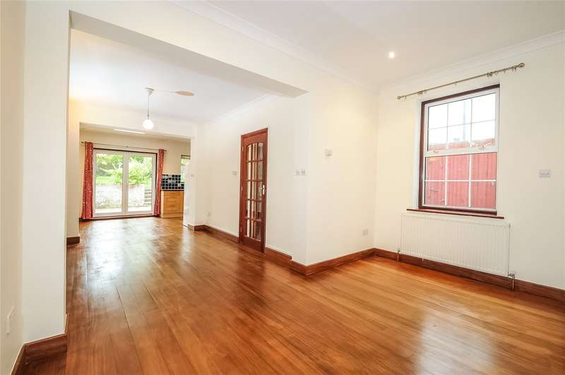 3 Bedrooms Semi Detached House for sale in Hallowell Road, Northwood, Middlesex, HA6