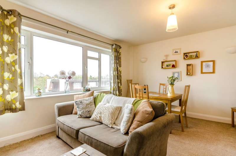 1 Bedroom Flat for sale in St Mark's Hill, Surbiton, KT6