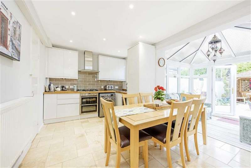 3 Bedrooms House for sale in Pringle Gardens, Tooting, London