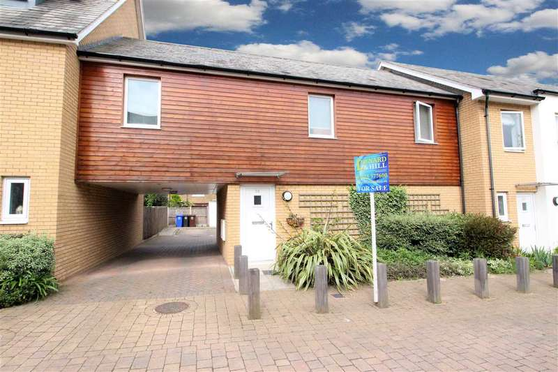 2 Bedrooms Apartment Flat for sale in Saxton Close