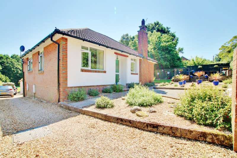 4 Bedrooms Detached Bungalow for sale in Glen Road, Sarisbury Green