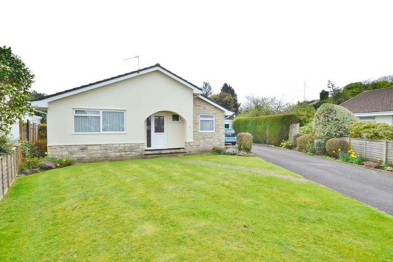 3 Bedrooms Detached Bungalow for sale in Ferndown