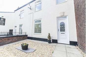 3 Bedrooms Terraced House for sale in Ripponden Road, Oldham, OL1