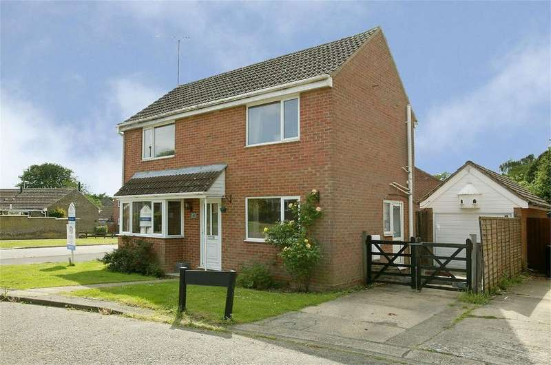3 Bedrooms Detached House for sale in Wordsworth Drive, Dereham, Norfolk