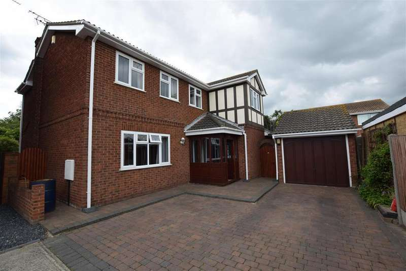 4 Bedrooms Detached House for sale in Sunningdale, Canvey Island