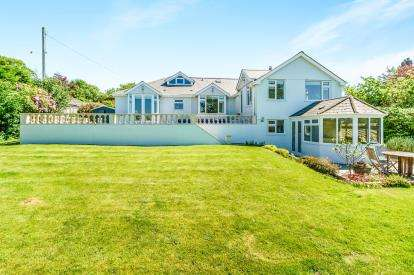 4 Bedrooms Detached House for sale in Dousland, Yelverton, Devon