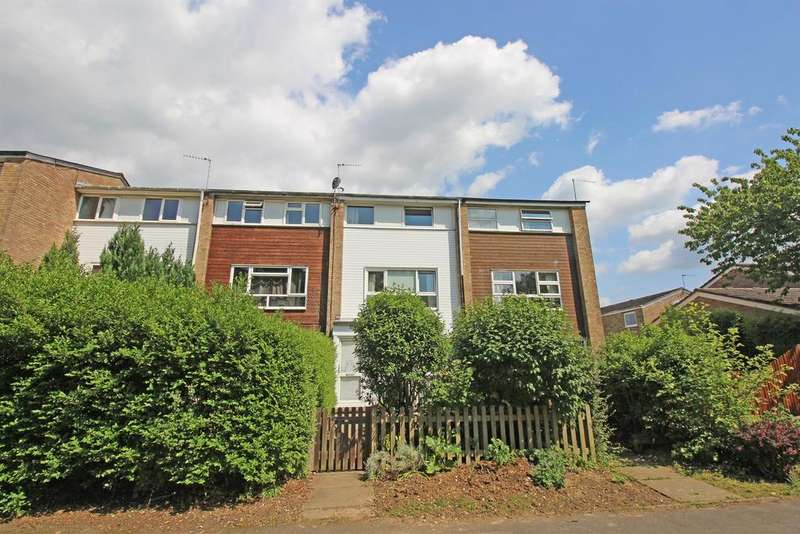 4 Bedrooms Town House for sale in Durham Road, Stevenage, SG1 4JH