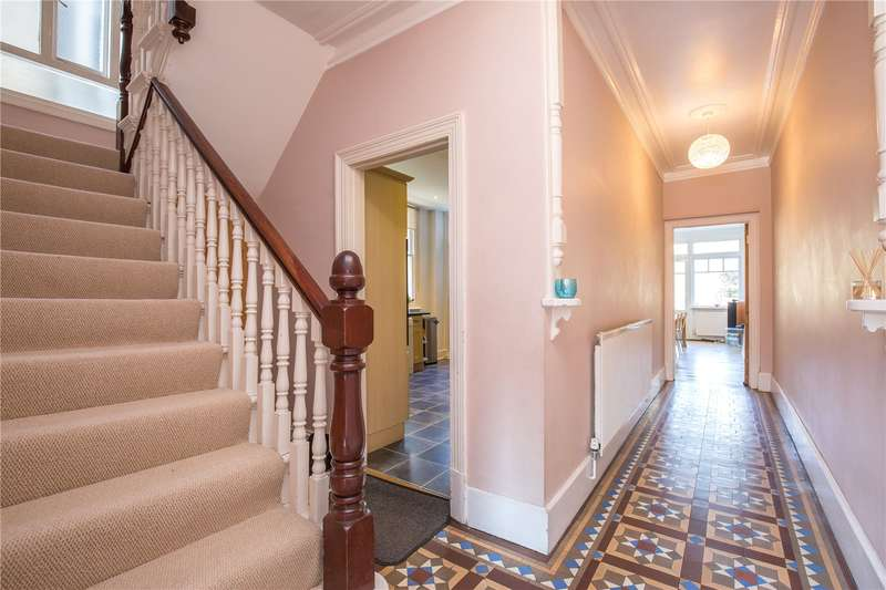5 Bedrooms Semi Detached House for sale in Friern Park, North Finchley, London, N12