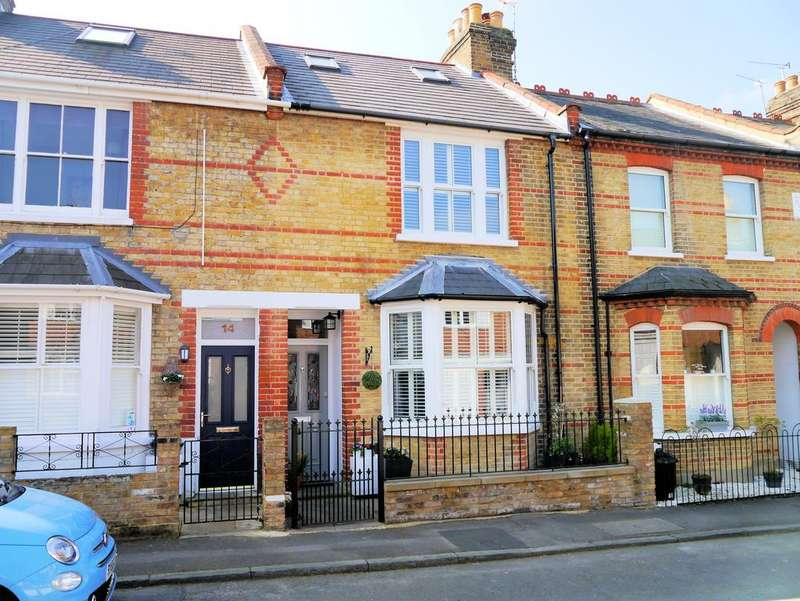 3 Bedrooms Terraced House for sale in St Marks Place, Windsor SL4