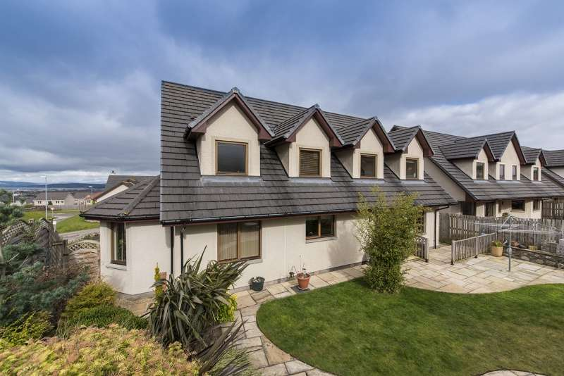 5 Bedrooms Detached House for sale in Woodside Gardens, Westhill, Inverness, Highland, IV2 5TF