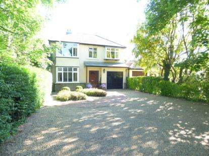 4 Bedrooms Detached House for sale in Clanfield, Hampshire, Uk