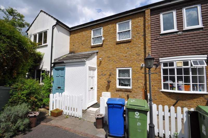 2 Bedrooms Terraced House for sale in Shelly Close, Peckham, London, SE15 2AE