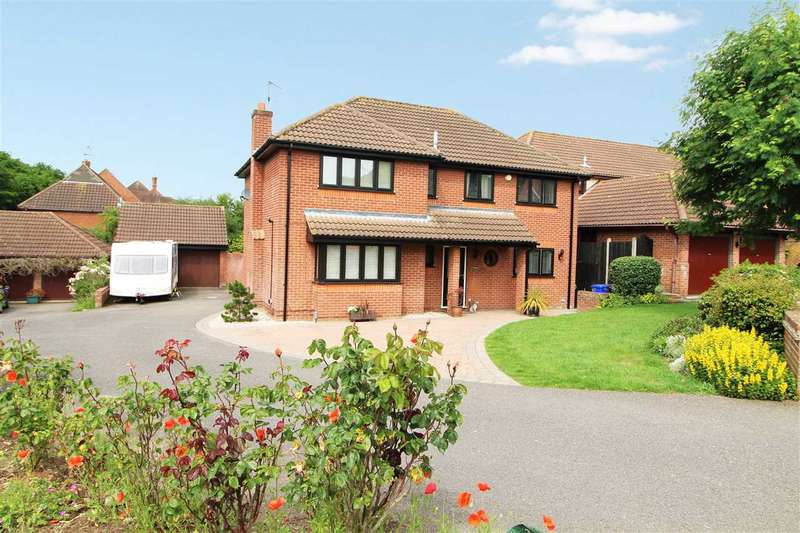 5 Bedrooms Detached House for sale in Thistledown, Highwoods, Colchester