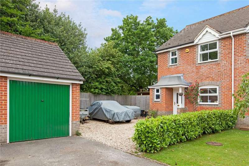 3 Bedrooms Semi Detached House for sale in Celandine Grove, Thatcham, Berkshire, RG18