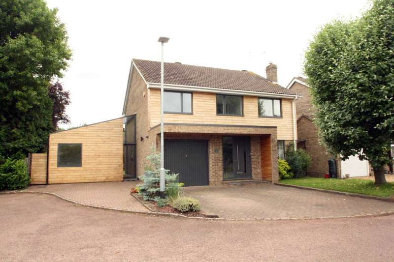 4 Bedrooms Detached House for sale in Wickham Road, Lower Earley, Reading