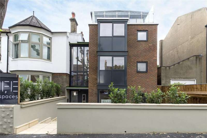 2 Bedrooms Apartment Flat for sale in Grosvenor Park Road, Walthamstow, E17