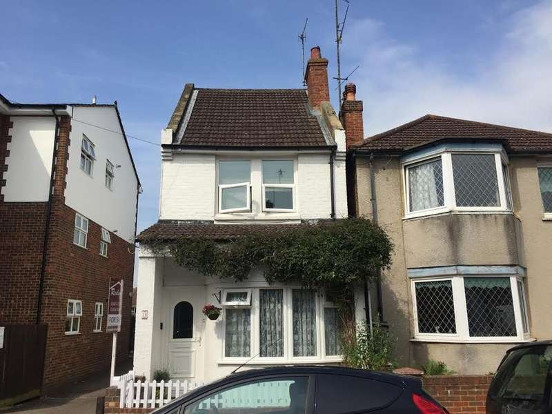 3 Bedrooms Detached House for sale in Chandler Road, Bexhill-on-Sea, TN39