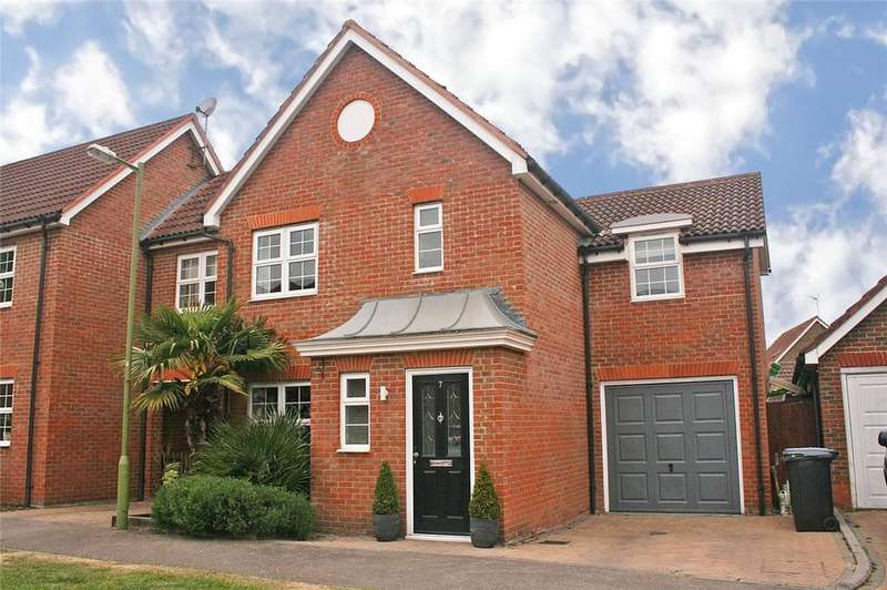 4 Bedrooms Detached House for sale in Beauchamps, Welwyn Garden City, Hertfordshire
