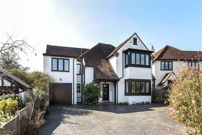 4 Bedrooms Detached House for sale in Roebuck Lane, Buckhurst Hill, Essex, IG9