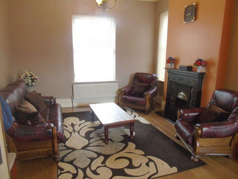 3 Bedrooms Semi Detached House for sale in Oldham Road, Ashton-Under-Lyne, Lancashire, OL7