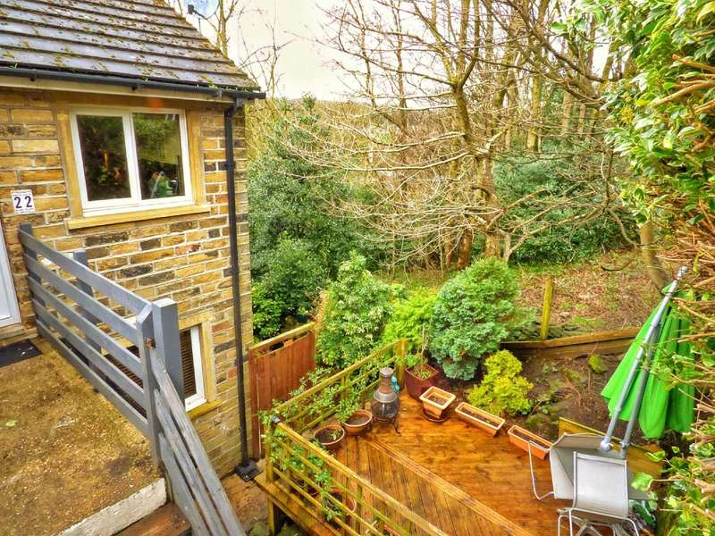 3 Bedrooms Semi Detached House for sale in Nabb View, Underbank Old Road, Holmfirth, West Yorkshire, HD9