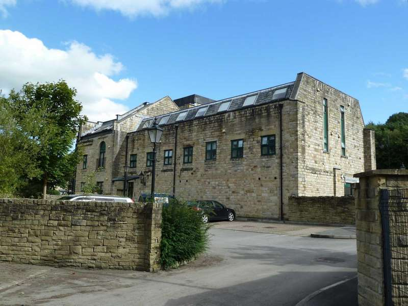 2 Bedrooms Apartment Flat for sale in Buckley Mill, High Street, Uppermill, Saddleworth, OL3