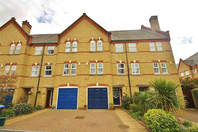 3 Bedrooms House for sale in Silistria Close, Knaphill, Woking, Surrey, GU21