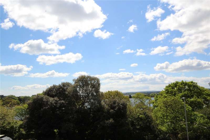 2 Bedrooms Flat for sale in Parkstone Road, Poole, Dorset, BH15