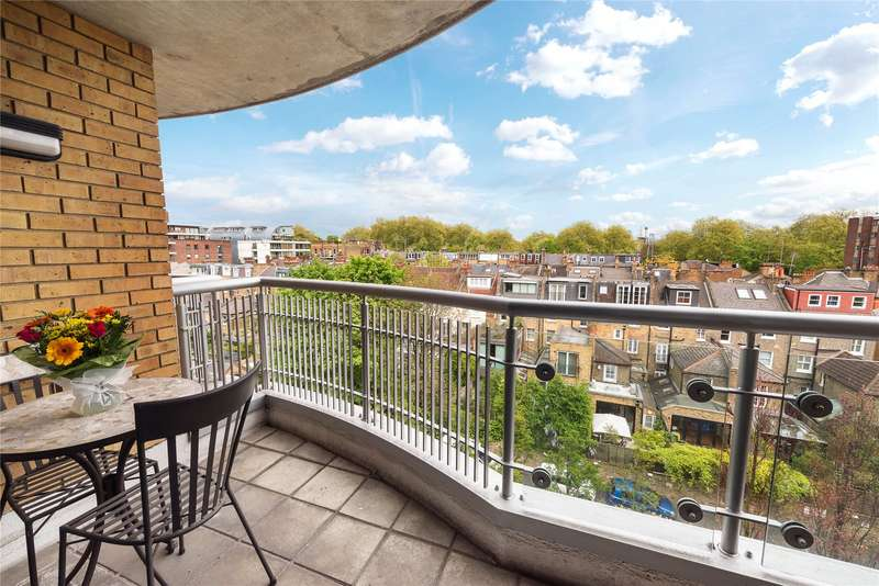 2 Bedrooms Maisonette Flat for sale in Bishops Wharf House, 51 Parkgate Road, London, SW11