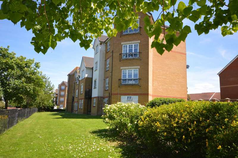 2 Bedrooms Apartment Flat for sale in Greenhaven Drive, Thamesmead