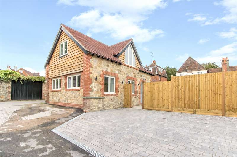 2 Bedrooms Detached House for sale in Godstone Green, Godstone, Surrey, RH9